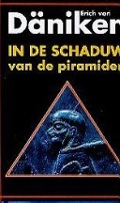 Bekijk details van In de schaduw van de piramiden