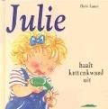 Bekijk details van Julie haalt kattenkwaad uit