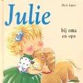 Bekijk details van Julie bij oma en opa
