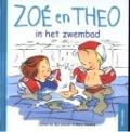 Bekijk details van Zoé en Theo in het zwembad