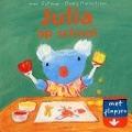 Bekijk details van Julia op school