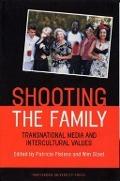 Bekijk details van Shooting the family