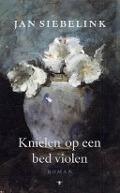 Bekijk details van Jan Siebelink leest Knielen op een bed violen