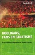 Bekijk details van Hooligans, fans en fanatisme