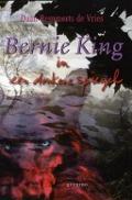 Bekijk details van Bernie King in een donkere spiegel