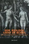 Bekijk details van Een bioloog leest de Bijbel