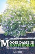 Bekijk details van Mooie dame in koffiedrab
