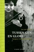 Bekijk details van Tussen gen en globe