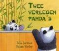 Bekijk details van Twee verlegen Panda's