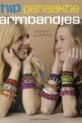Bekijk details van Hip gehaakte armbandjes