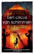 Bekijk details van Een circus van schimmen