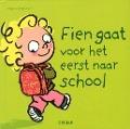 Bekijk details van Fien gaat voor het eerst naar school
