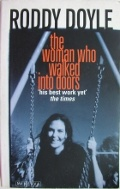 Bekijk details van The woman who walked into doors