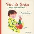 Bekijk details van Fin & Snip spelen met de bal
