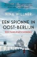 Bekijk details van Een spionne in Oost-Berlijn