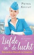 Bekijk details van Stewardess Hannah in Lissabon
