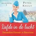 Bekijk details van Stewardess Hannah in Barcelona